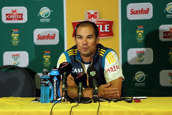 South African coach Russell Domingo gives Vernon Philander his full backing