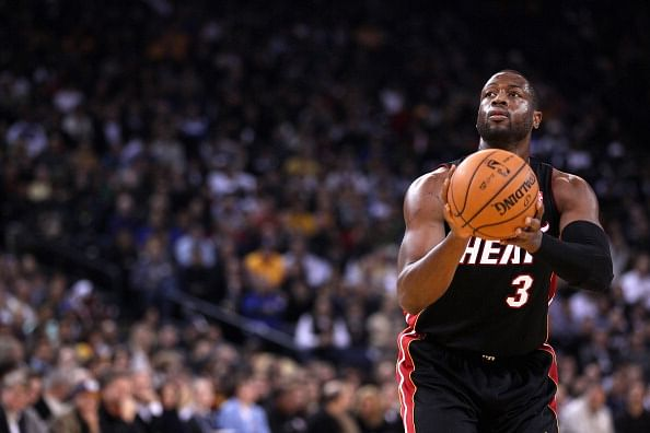Miami Heat sign Dwyane Wade on two-year contract