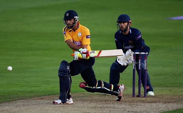 Glenn Maxwell's century helps Hampshire smash records against Lancashire