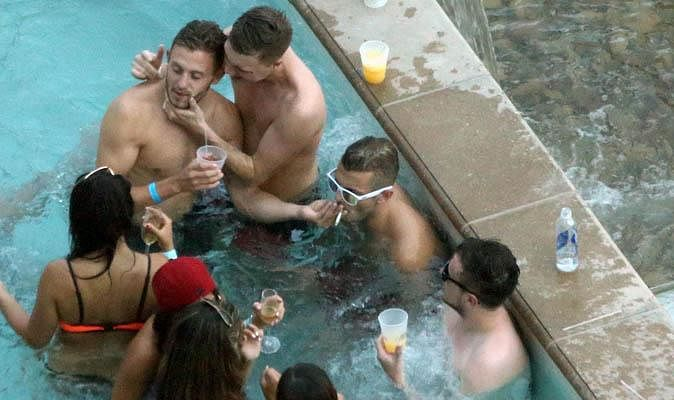 Jack Wilshere photographed smoking again in Las Vegas