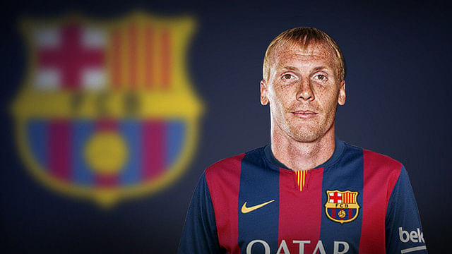 Barcelona sign Valencia defender Jeremy Mathieu for €20 million