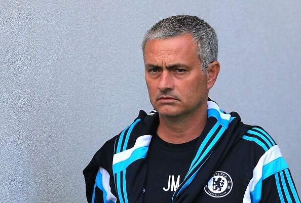 Jose Mourinho forced to sell Cech or Torres to meet Chelsea's foreign player quota