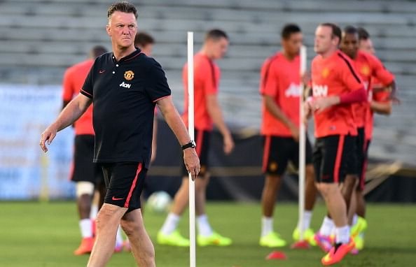 Manchester United give Louis Van Gaal liberty to break world record transfer fee