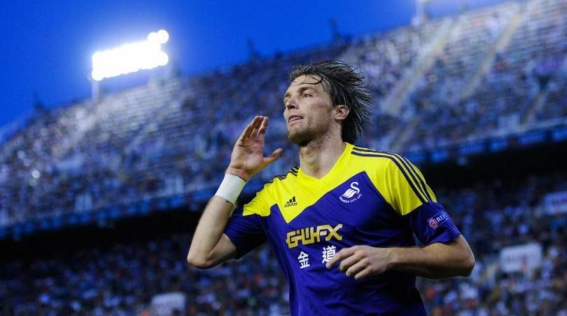 Napoli sign Swansea star Michu on season-long loan