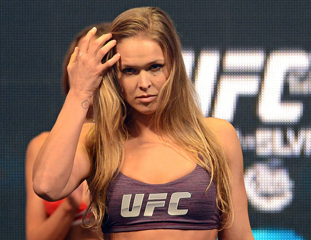 Video: Hot Ronda Rousey Sports Illustrated Swimsuit Photoshoot Video