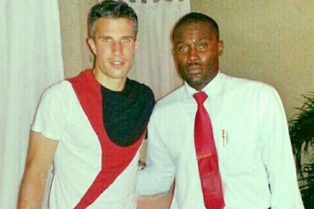 Waiter gets suspended after clicking a photo with Robin van Persie