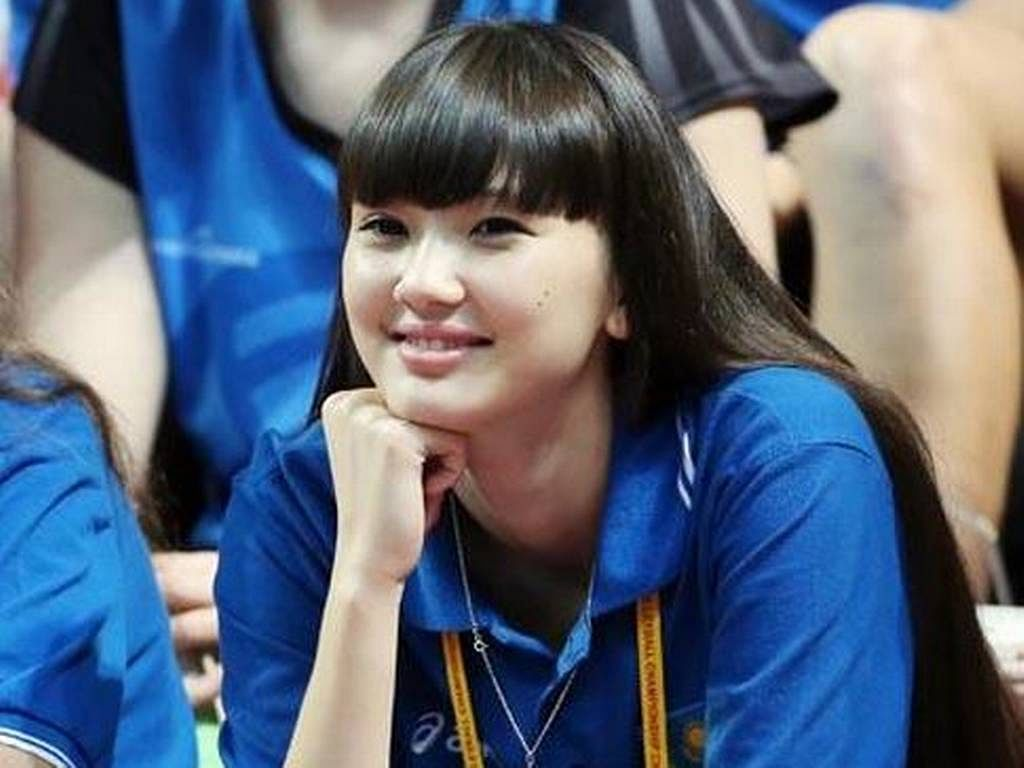 Teen Kazakh volleyball player wants fans to focus on her game, not looks