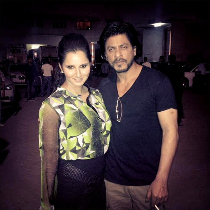 SRK congratulates Sania Mirza on her achievement