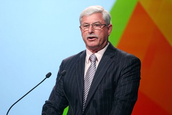 Sir Richard Hadlee wants ECB to back under-fire Alastair Cook