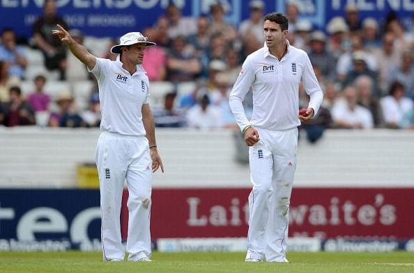 Andrew Strauss and Kevin Pietersen should end their feud over a drink: Stuart Broad