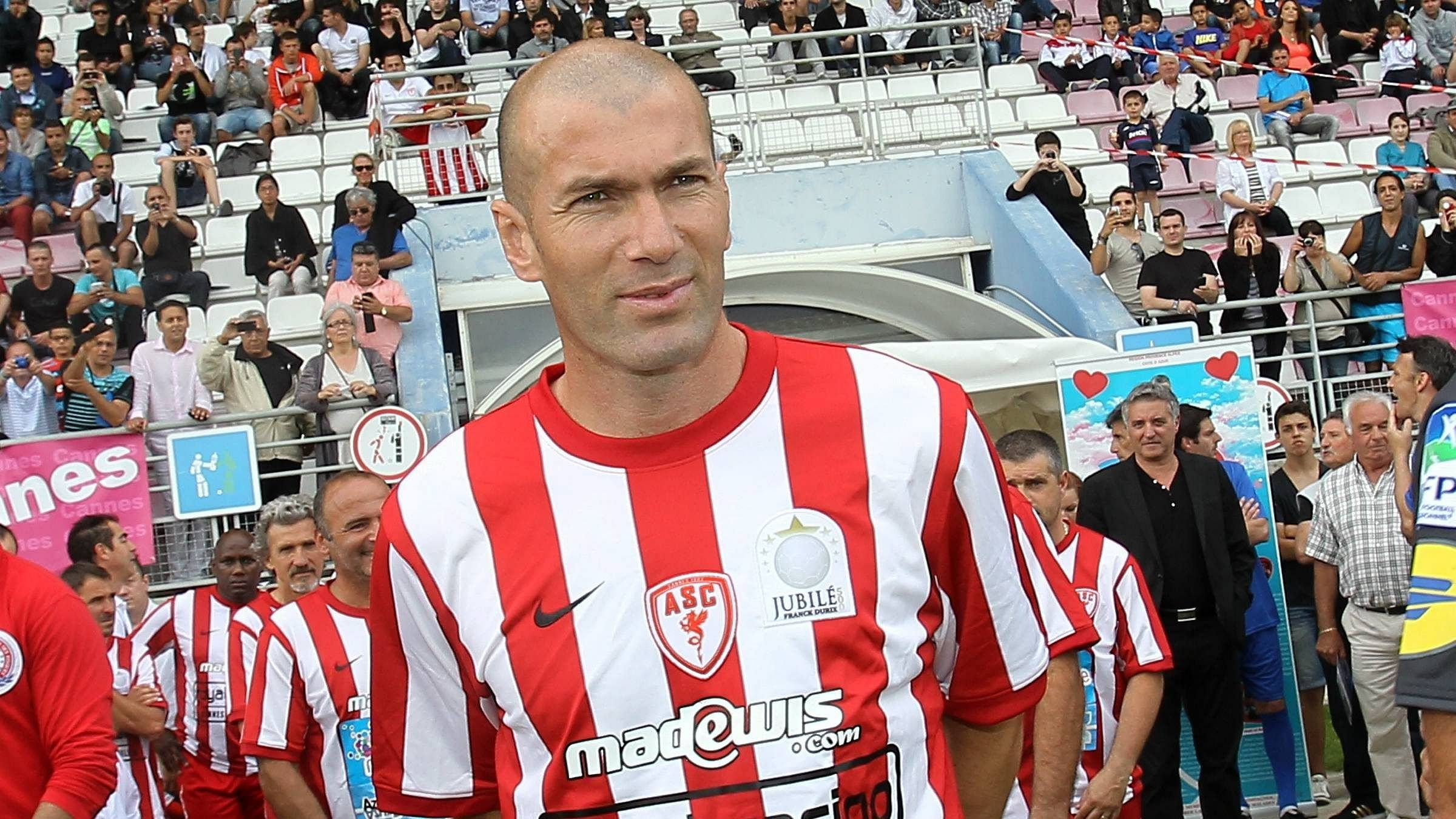 zinedine zidane s former club as cannes on the way to bankruptcy. Black Bedroom Furniture Sets. Home Design Ideas