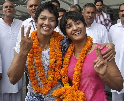CWG gold medal winning sisters Babita and Vinesh Phogat felicitated in Gurgaon