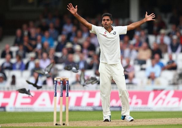 Father of Bhuvneshwar Kumar not pleased with his son receiving champagne as award after match