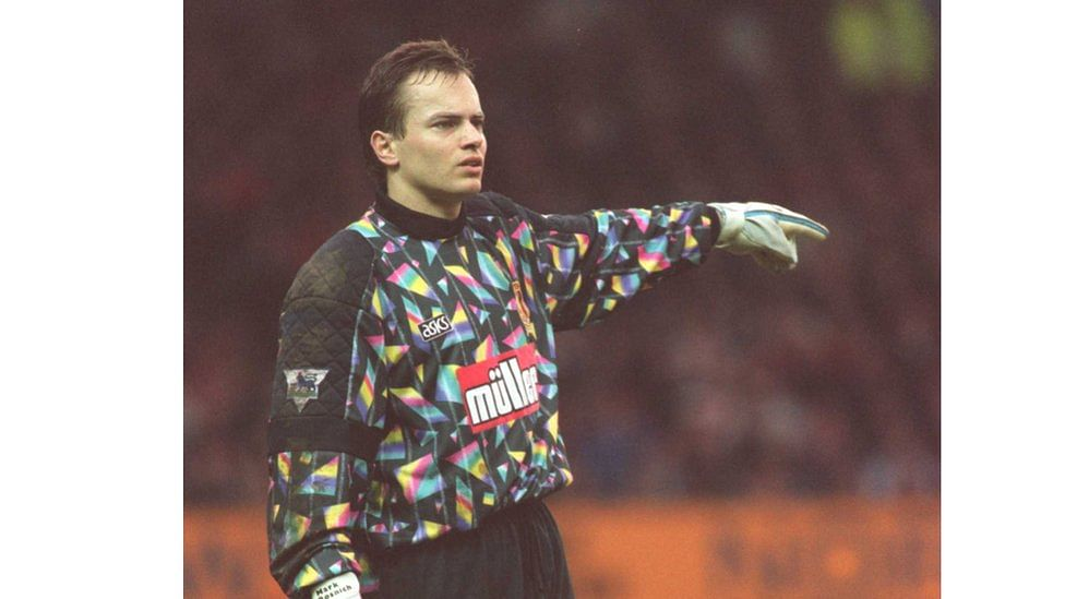 10 most entertaining goalkeepers in football history