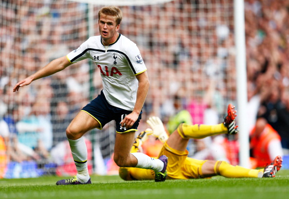 Highlights: Tottenham beat West Ham with injury time winner, pitch invader takes better free kick than Eriksen