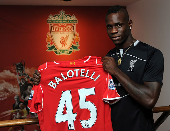 Mario Balotelli completes £16 million move to Liverpool from AC Milan