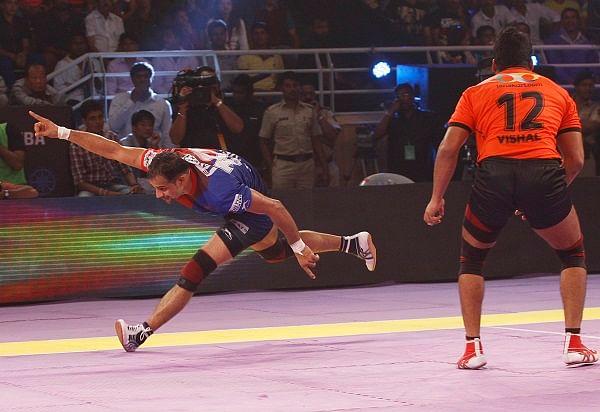 Pro Kabaddi League: Table-toppers U Mumba stumble against Dabang Delhi
