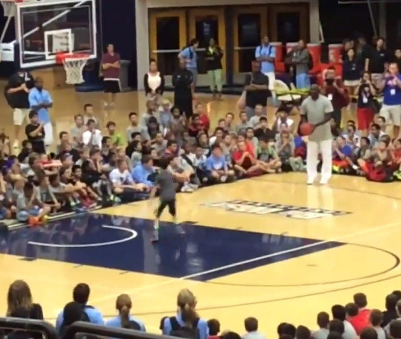 51-year-old Michael Jordan sinks 11 consecutive shots at a basketball workshop