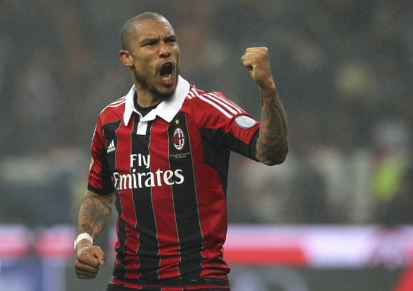 Rumour: Manchester United make a move for AC Milan's Nigel de Jong