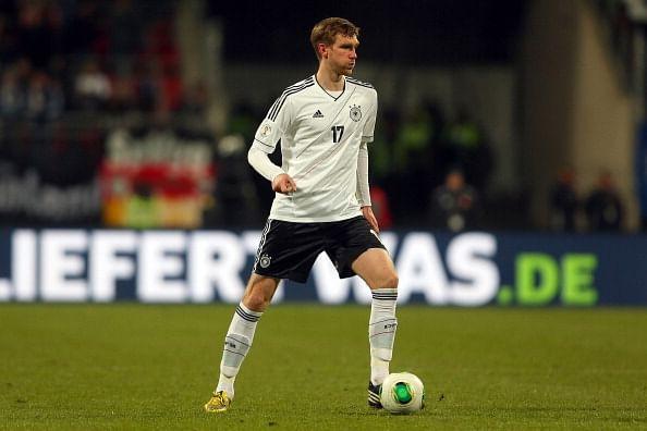 Per Mertesacker announces retirement from international football