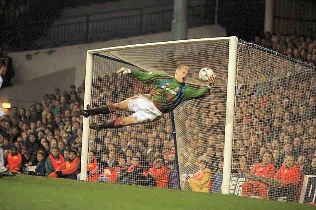 5 modern goalkeepers who deserved the Ballon d'Or