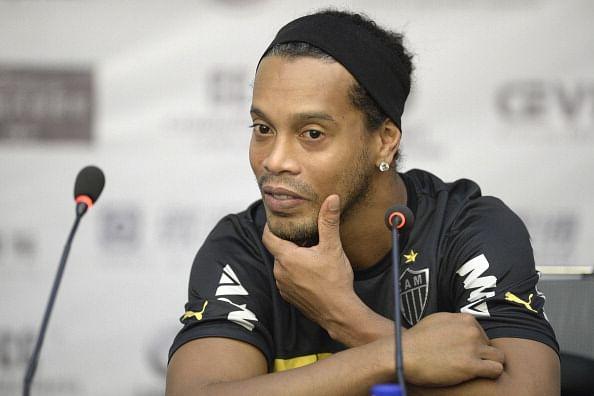 Rumour: Ronaldinho close to joining Santos