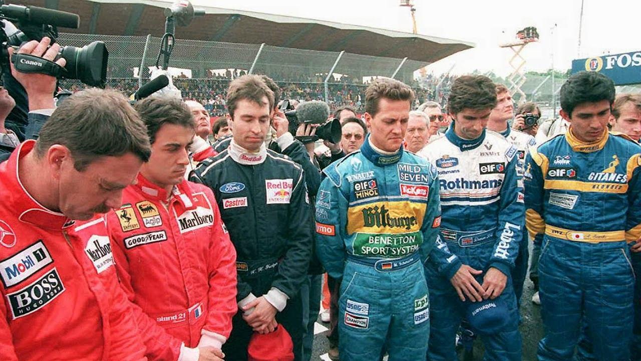 Pilotos fazendo 1 minuto de silêncio - F1 Imola 1994