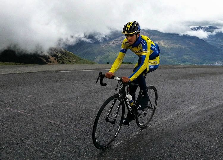 Alberto Contador moves closer to Vuelta triumph after stage 16 win
