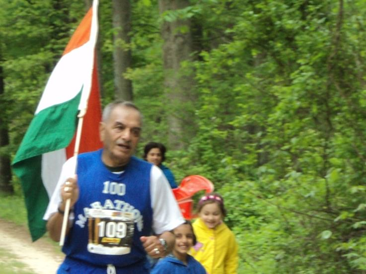 82-year-old Delhi marathoner Ashis Roy completes 138th run in Washington