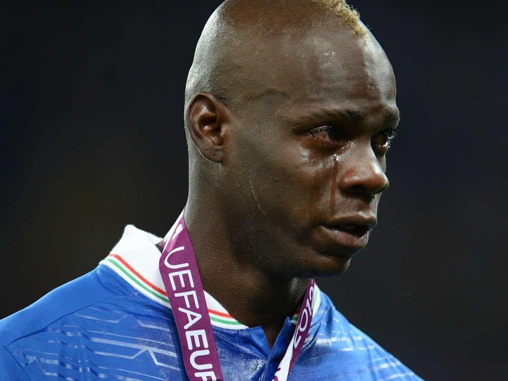 Andrea Pirlo reveals how Mario Balotelli reacts to racist