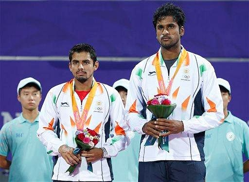 Asian Games 2014: Sanam Singh and Saketh Myneni win silver in doubles event