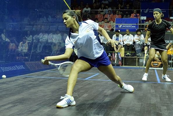 Asian Games 2014: Dipika Pallikal settles for bronze after losing to Nicol David in the semifinals