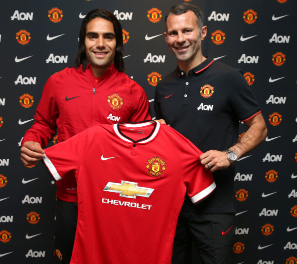 Manchester United announce the signing of Radamel Falcao on a one-year loan deal