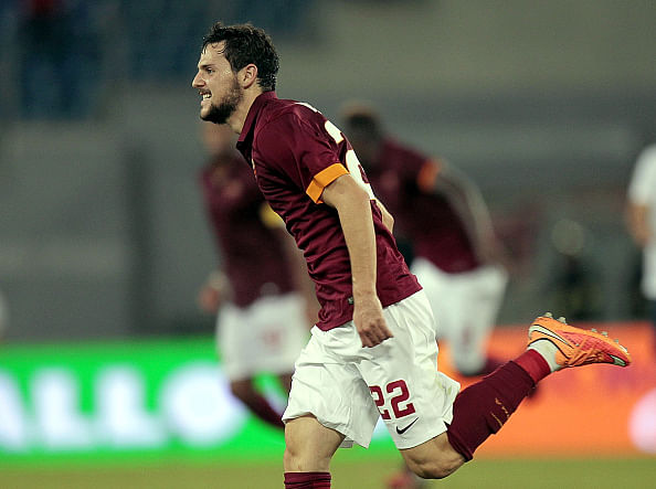 Video: Mattia Destro humiliates Hellas Verona goalkeeper with goal from 40 yards