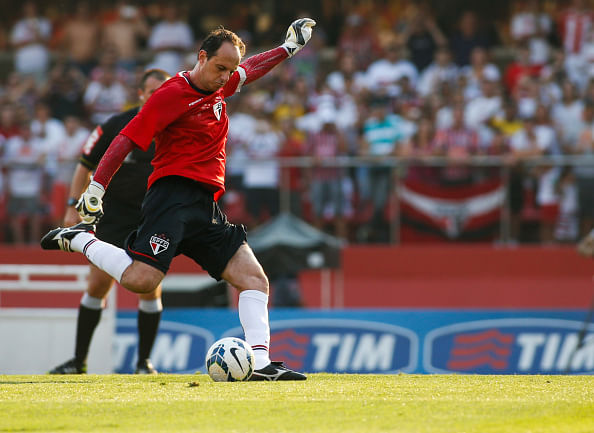 Video: Goalkeeper Rogerio Ceni scores 120th goal in his career