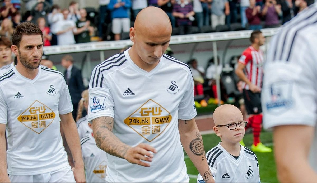 Jonjo Shelvey fulfills seven-year-old Alopecia patient's dream
