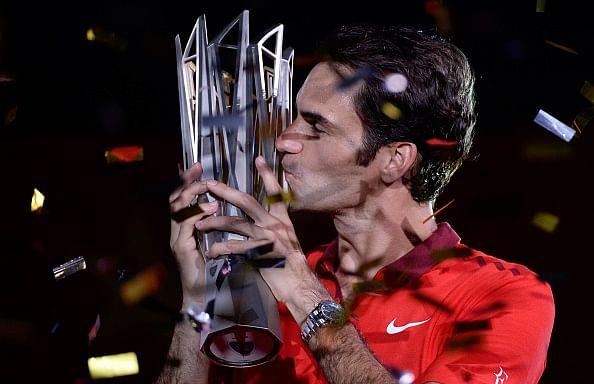 Roger Federer beats Gilles Simon to win Shanghai Masters
