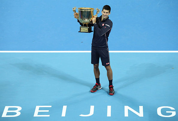 Djokovic crushes Berdcyh in lop-sided final