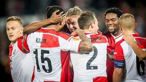 Video: Feyenoord score goal straight from a throw-in against Standard Liege