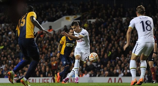 Video: Tottenham\'s Erik Lamela scores Rabona goal in Europa League