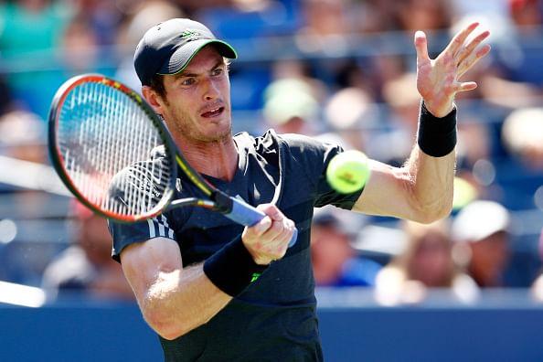 Murray hits bizarre shot in China Open