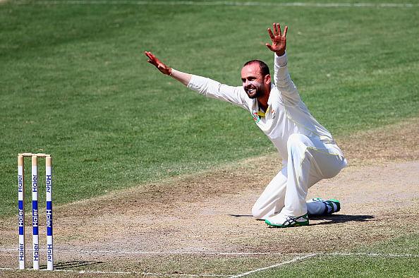 Video: Nathan Lyon bowls mystery ball against Pakistan