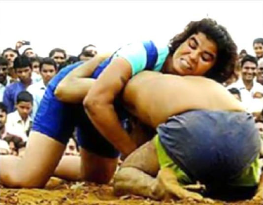 17-year-old female wrestler gets the better of male counterpart