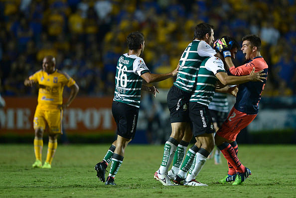 Video: Mexican defender Oswaldo Alanis scores from the other half of the pitch