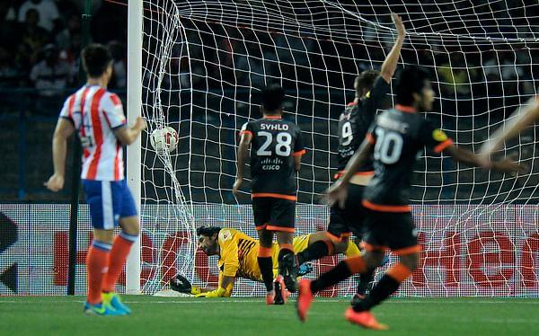 ISL: Delhi Dynamos secure gritty 1-1 draw with 10 man Atletico de Kolkata