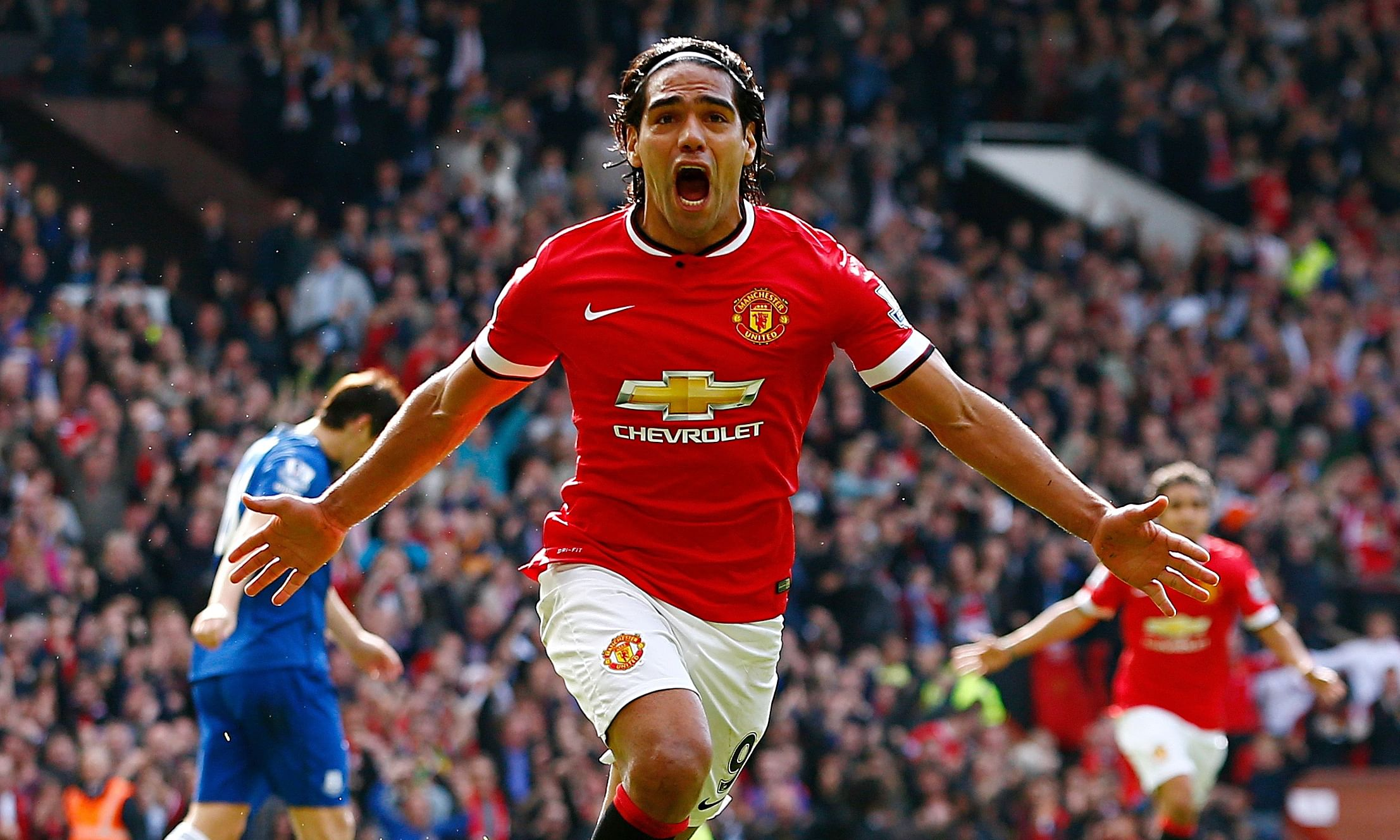 Should Manchester United sign Falcao permanently?