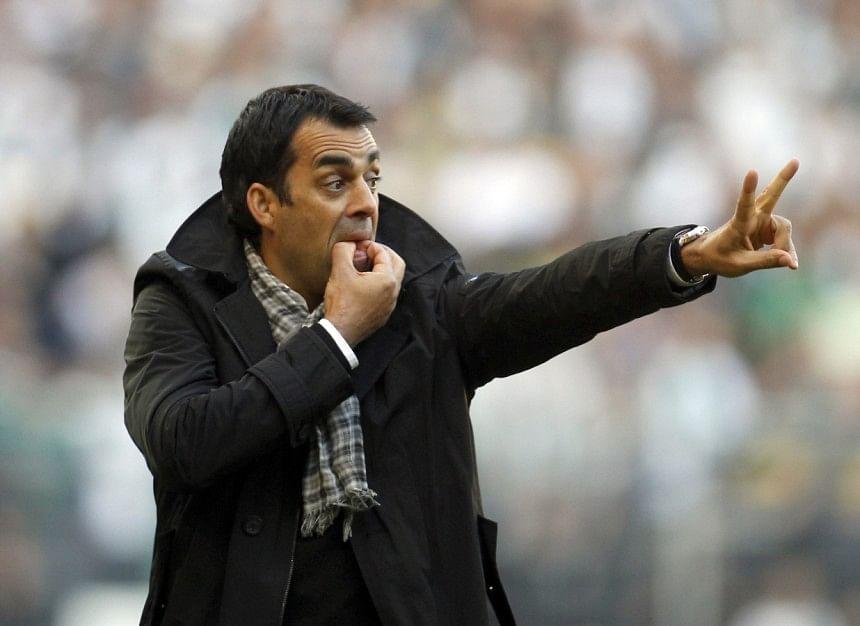 Werder Bremen sack coach Robin Dutt