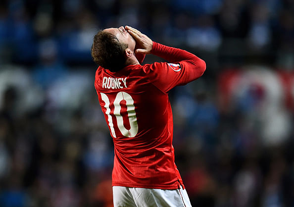 Highlights: Wayne Rooney free kick gives England 1-0 win over 10-man Estonia