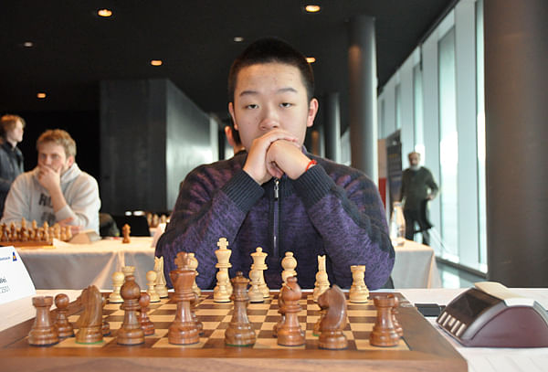 Wei Yi takes sole lead at world junior's championship
