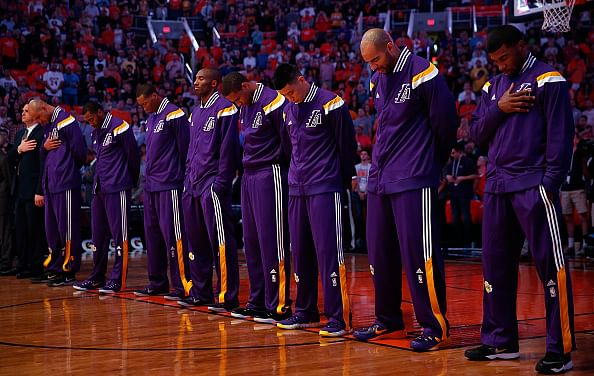 Los Angeles Lakers finally get their first win
